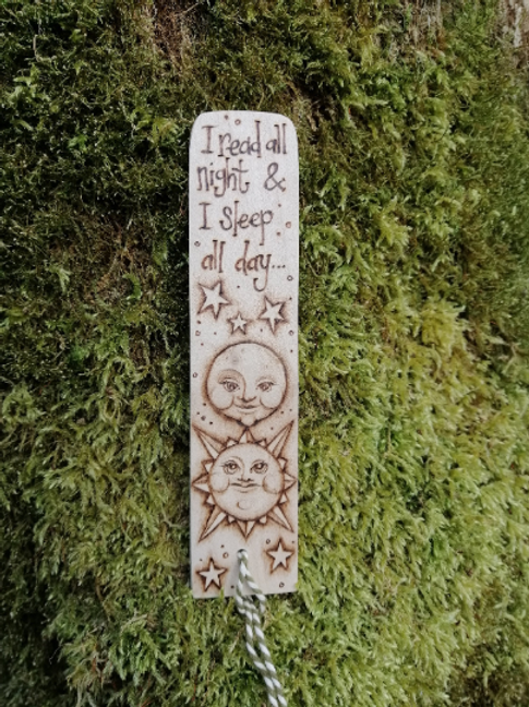 "Wooden Moon and Stars Bookmark with the words ""I read all night & I sleep all da"