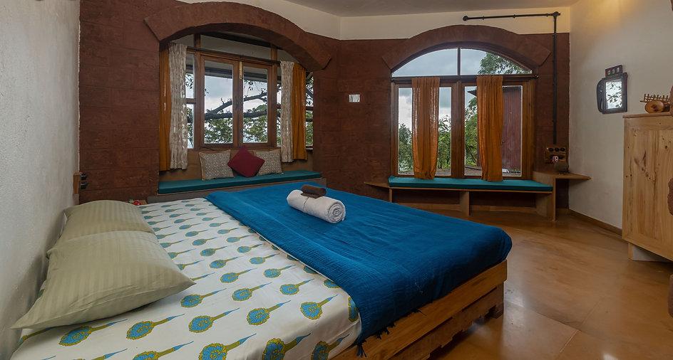 Room with Krishna River View at Avabodha | Villa in Panchgani