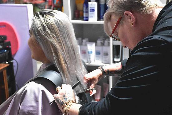 men's and ladies hairdresser