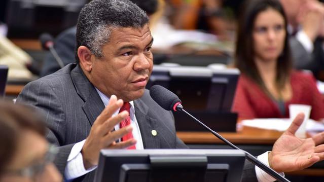 Comissão aprova PL de Valmir Assunção que insere ensino sobre comunidades tradicionais nas escolas