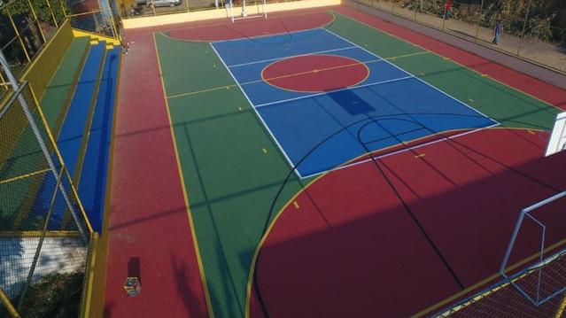 Prefeitura de Wenceslau Guimarães entrega nova quadra Poliesportiva