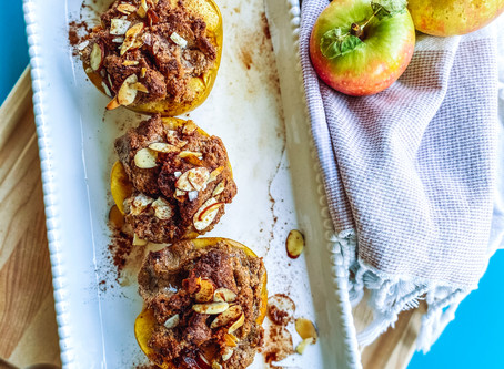 Cinnamon baked apples with crumb topping