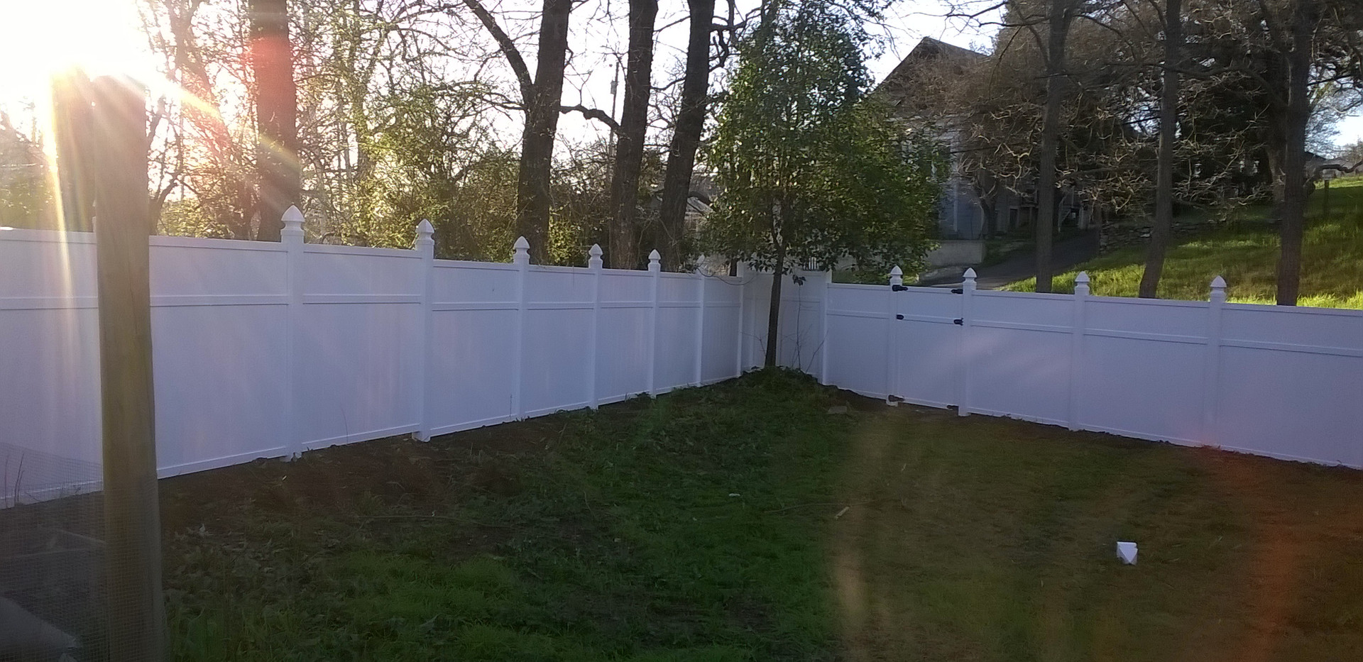 6ft White steped vinly pre-made panels.jpg
