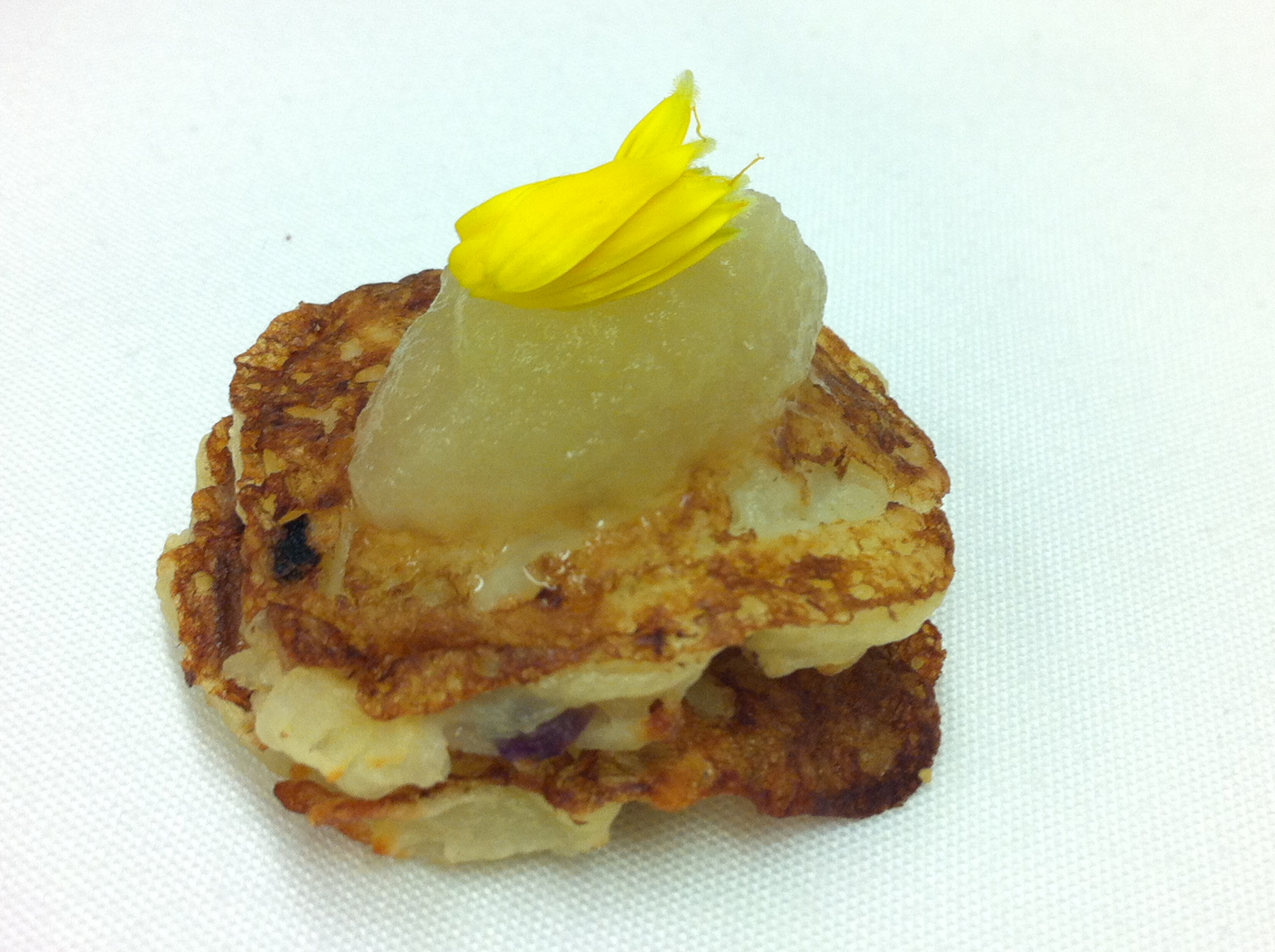 Latkes, apple puree