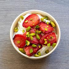 Skyr fraises & pistaches