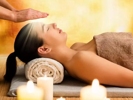 Reiki, energy healing session