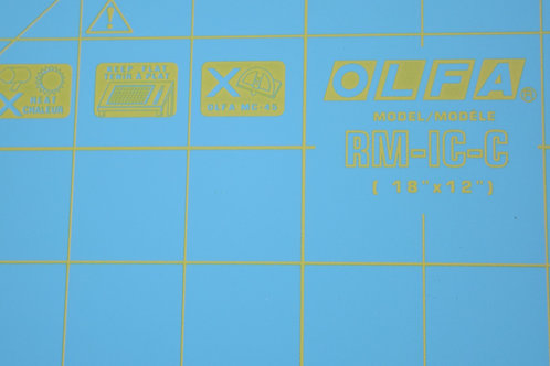 OLFA ROTARY MAT & QUILT RULER