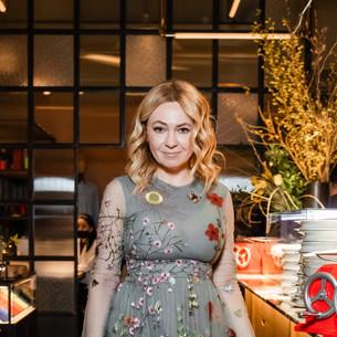 Яна Рудковская выбирает платье от Valentino на все случаи жизни