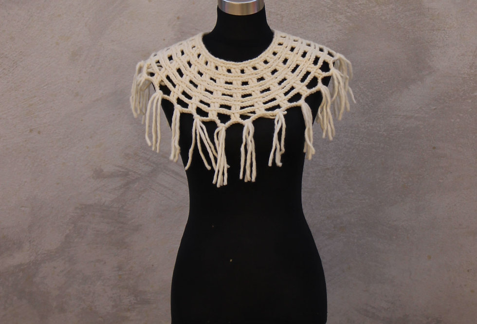 White Sampo knit lace collar