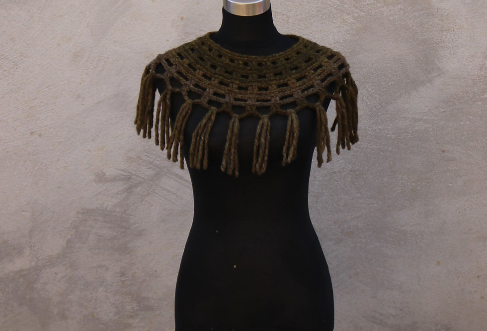 Pine bark coloured crocheted Sampo knit lace collar