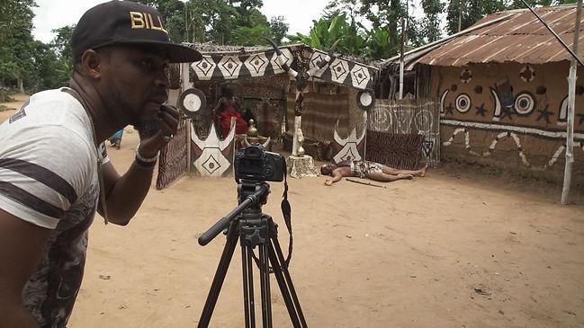 Nollywood_30_DiplPraese.10_20_25_10.Stil