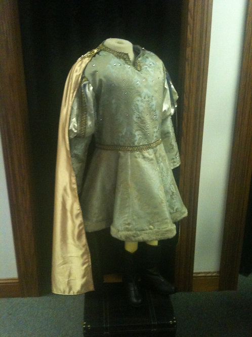 Lord Farquaad's wedding outfit