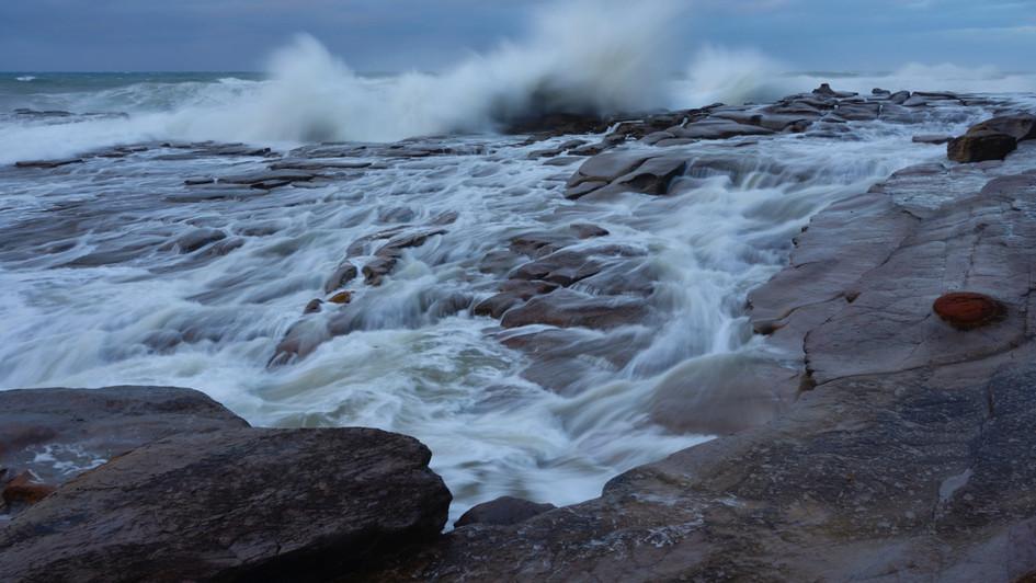 Wave, Coalcliff NSW