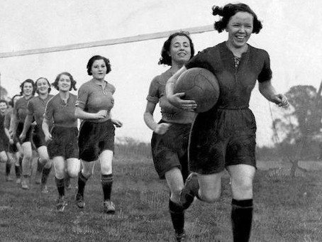 O futebol e as mulheres. Sim, outra vez as mulheres.