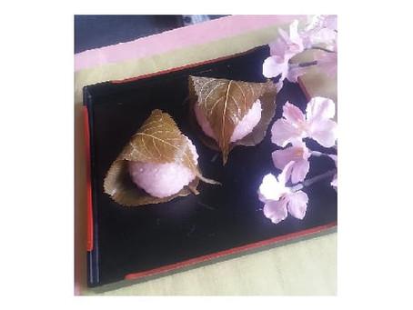 「桜餅・三色団子」好評発売中