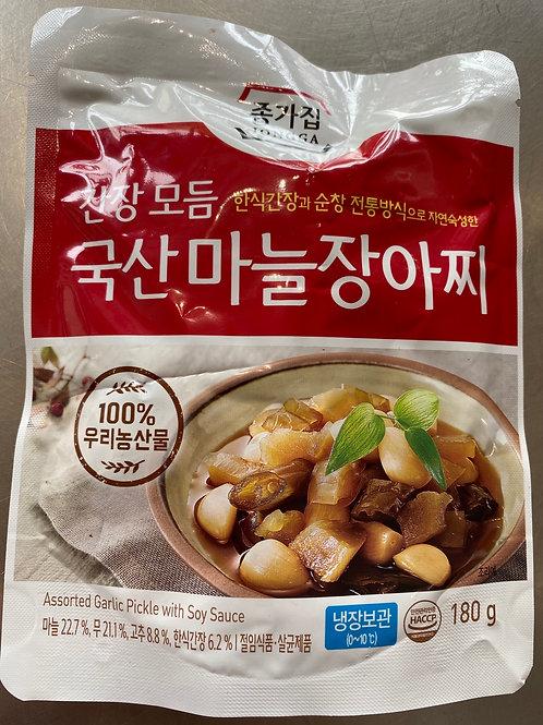 Jongga Assorted Garlic Pickle With Soy Sauce 180g