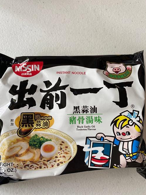 Nissin Instant Noodle Black Garlic Oil Tonkotsu