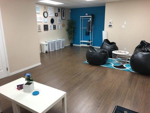 Lounge e.jpg