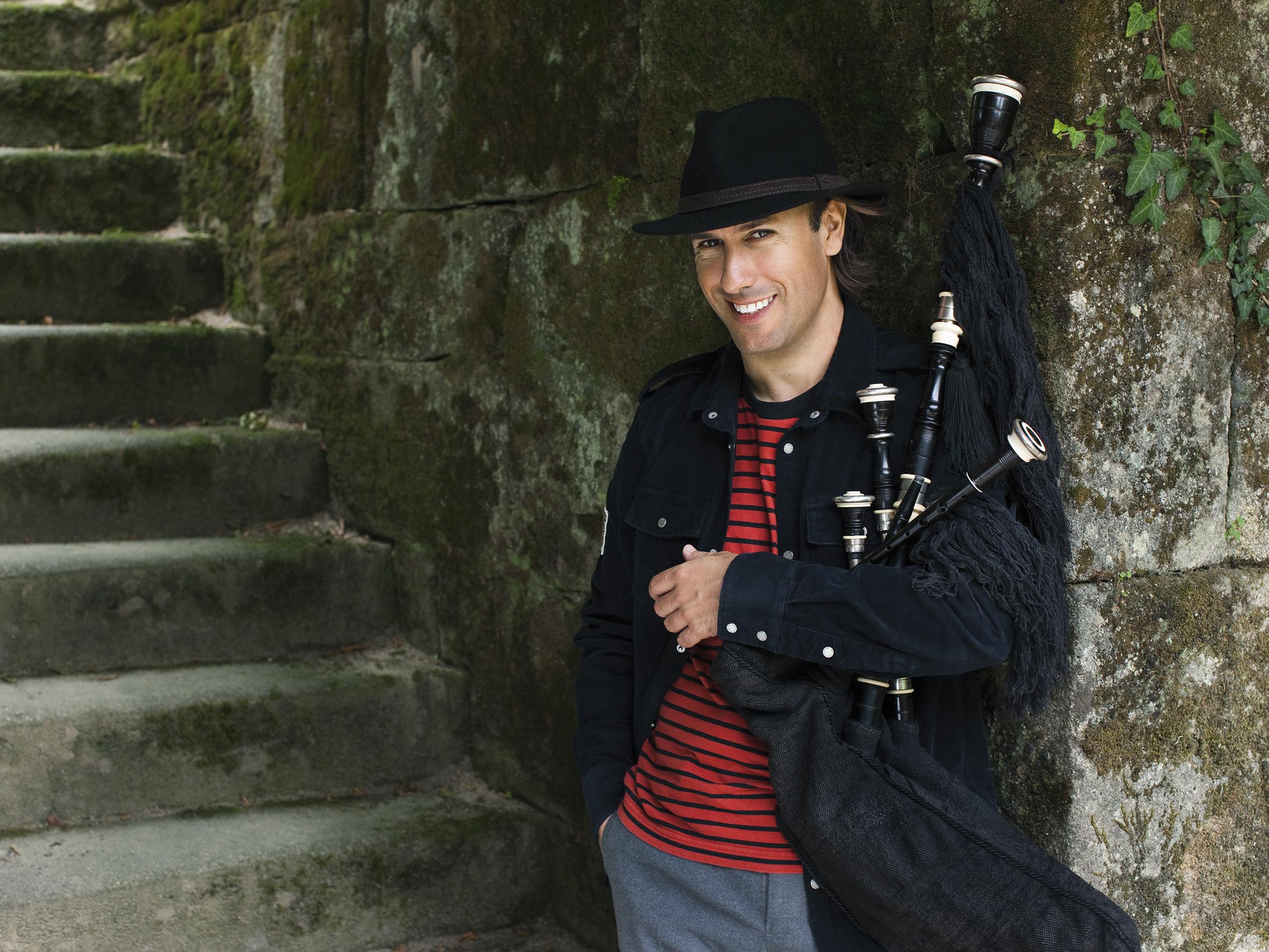 Carlos Nunez Concert
