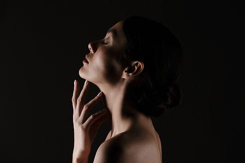 beautiful-profile-half-naked-gentle-woma