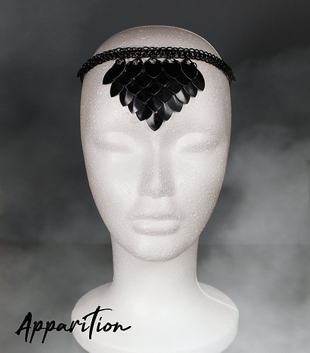The Lady in Black Scalemaille Headdress