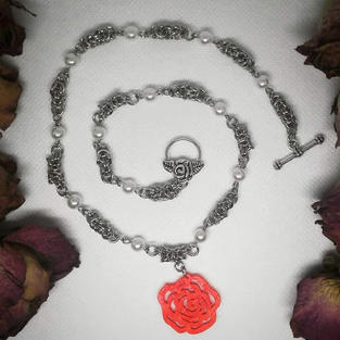 Flora Chainmaille Necklace