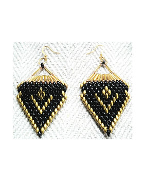 bead embroidery earring.jpg