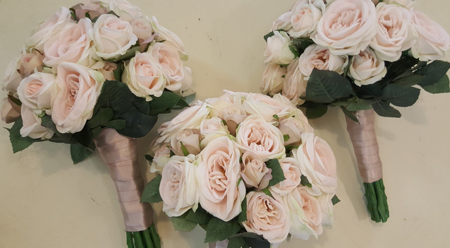 Champagne Sabrina Roses