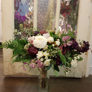 BOUQUET White & Burgundy Camelias & Rose