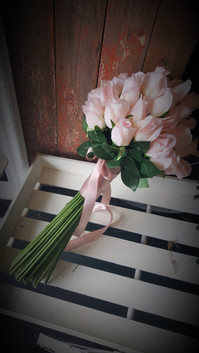 Long Stem Pink Rose Buds