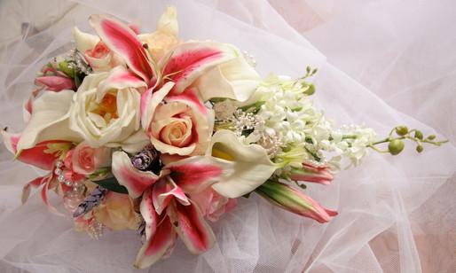 Roses,Lilies, Agapanthas & Pearls