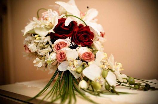 Roses, Lilies, Agapanthas & Pearls
