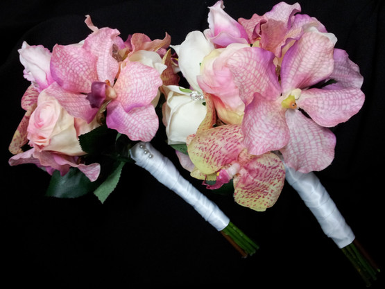 Rosebuds & Phalaenopsis Orchids