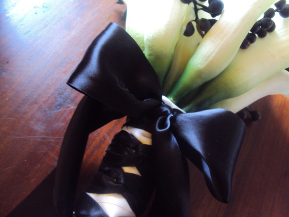 Calla Lilies with Black Berries