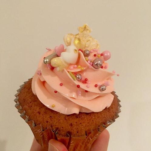 12 Pretty Pink Raspberry Cupcakes