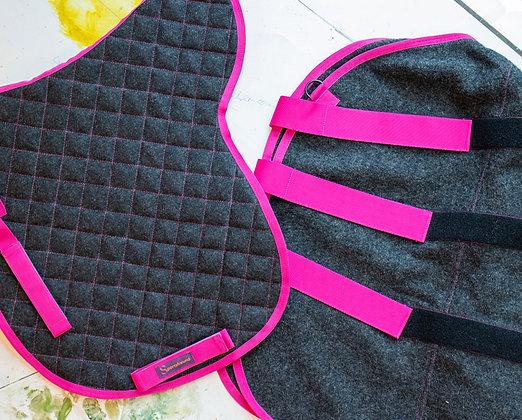 Satteldecke & Abschwitzdecke 100% Wolle Antrazith|Pink