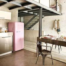 Smeg refrigerateur rose bonbon.jpg