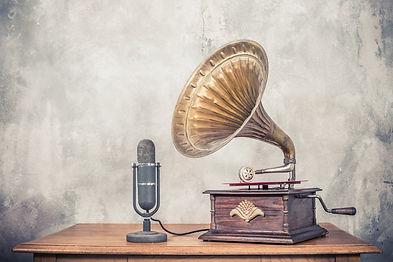 Vintage%20antique%20gramophone%20phonogr