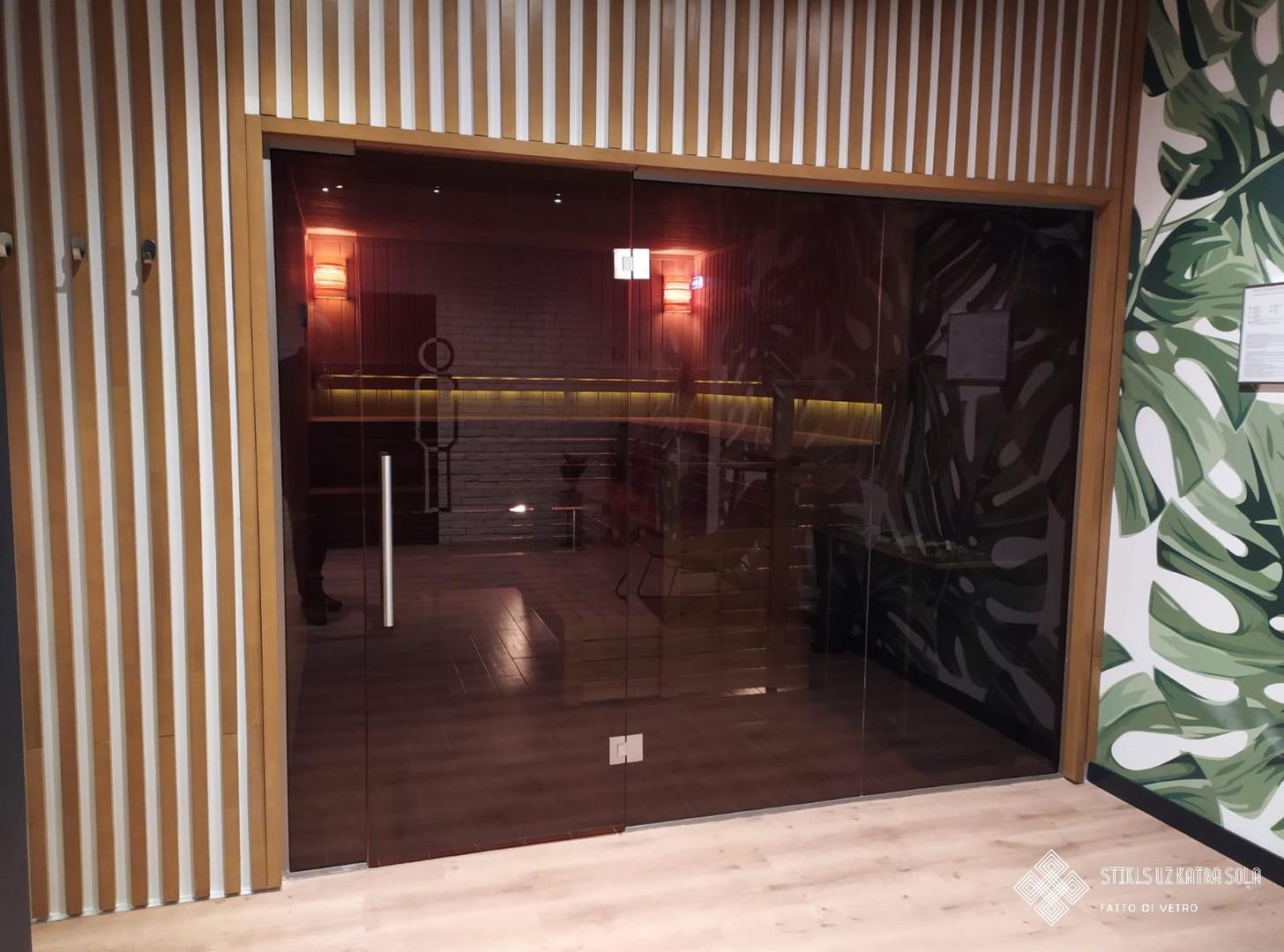 Veramas stikla durvis