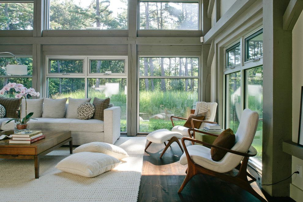 tropitone-lounge-chairs-with-farmhouse-l