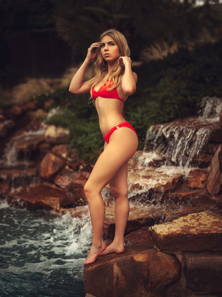 Avery-Stevens_Pool-Shoot_166.jpg