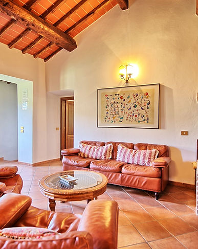 holiday house for families with swimming pool near florence