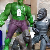Hulk figurine (approximately 24cm height)