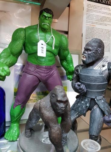 Hulk figurine (approximately 24cm height)