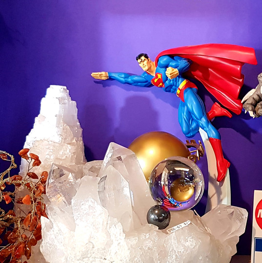 DC Direct Superman hand-painted cold cast statue with rotating Daily Planet Globe and box
