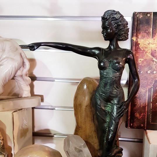 Fine art collectable figurine (heavy piece)