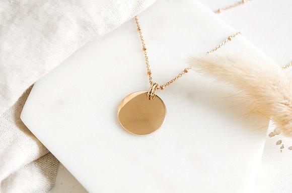 Collier maille perlée & médaille
