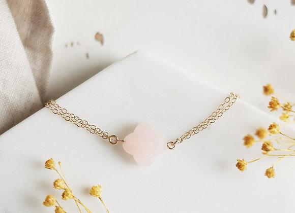 Bracelet trèfle en verre rose