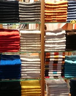 Shirts_gestapelt.png