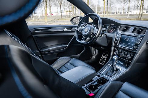 VolkswagenGolfGTE-3.JPG